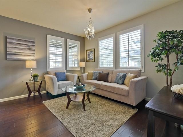 007_Open Concept Living Room