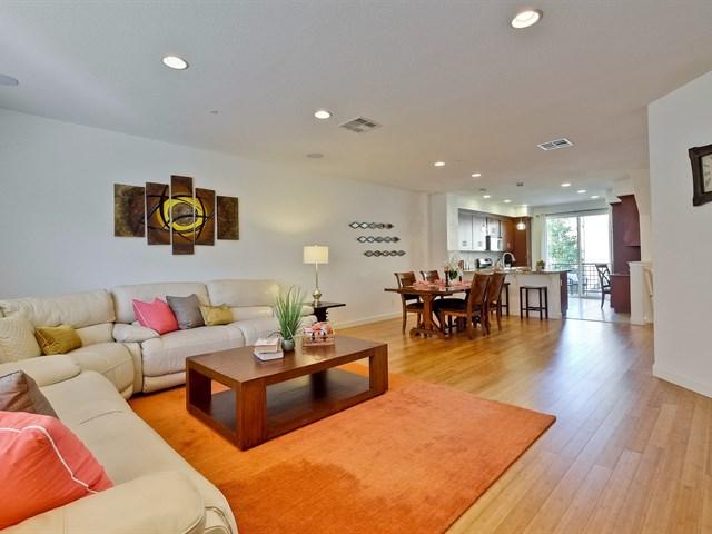 005_bright-open-living-room